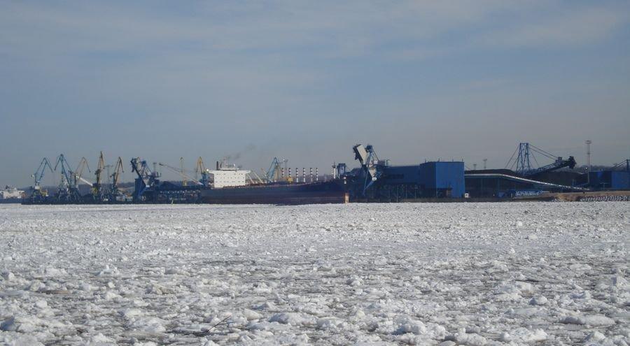 Ледовые ограничения в Усть-Луге