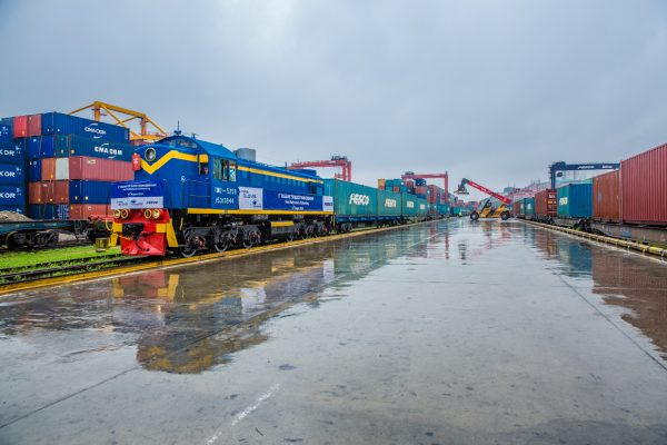 First Train of Regular Container Service Between Vladivostok and Saint Petersburg Has Gone Through Customs Clearance