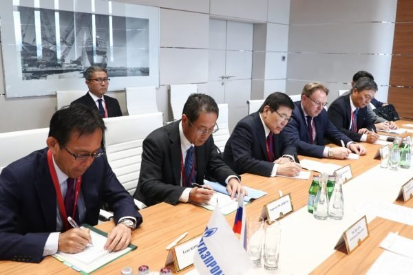 Gazprom and Mitsui Sign MoU on Baltic LNG Project