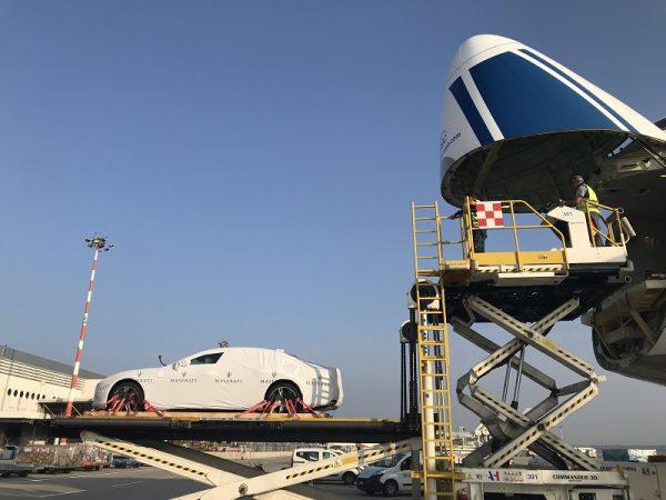Maserati в полете