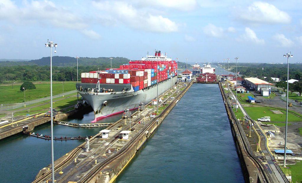 Рекордный год Панамского канала