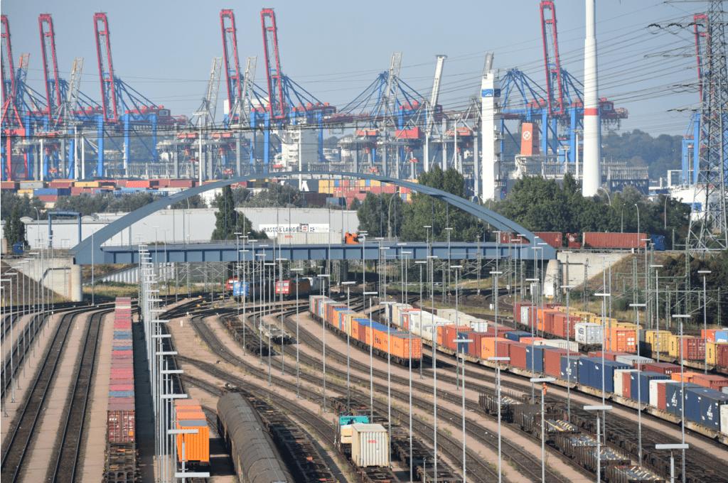 Гамбург снизил контейнерооборот