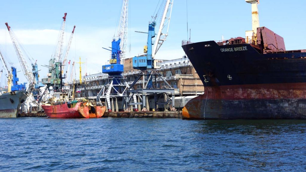 Рыбный порт восстанавливает специализацию