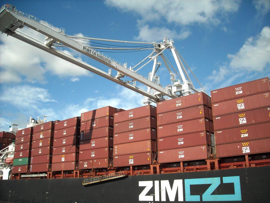 ZIM инвестирует в e-коммерцию