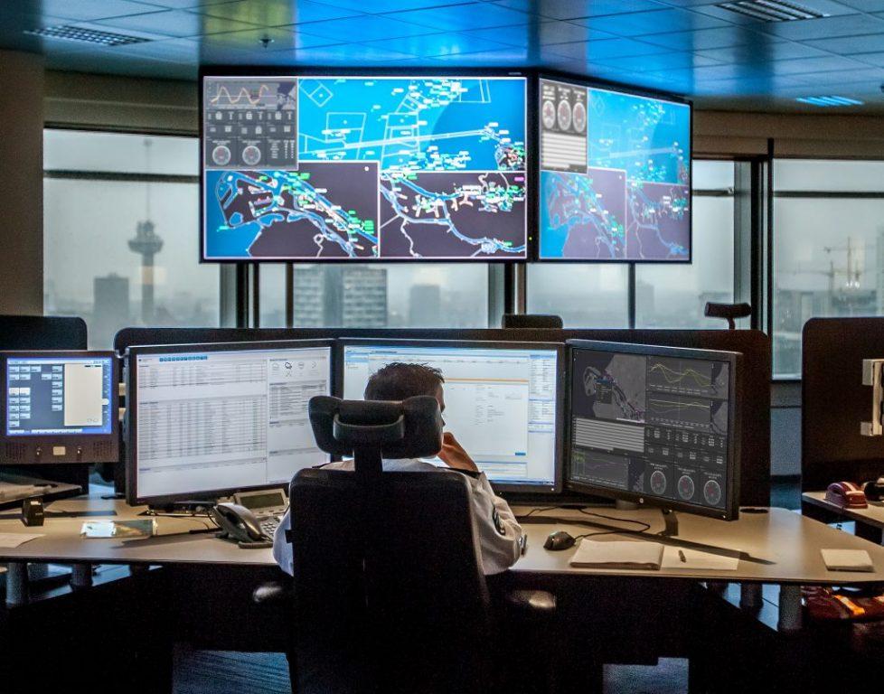 Порт Роттердам внедряет интернет вещей